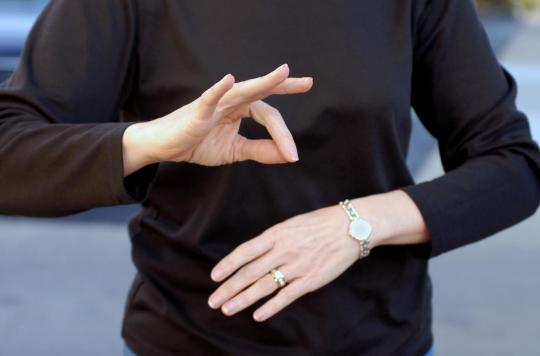 Comment le cerveau traite la langue des signes