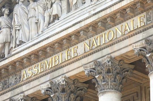 Coronavirus : l'Assemblée nationale s'essaie à la méditation pour apaiser les tensions