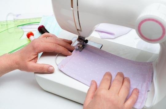 Coronavirus : l'incroyable succès des tutoriels pour fabriquer des masques en tissu