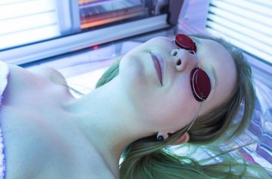 Cabines à UV: une Américaine se retrouve avec un trou dans la tête après en avoir abusé