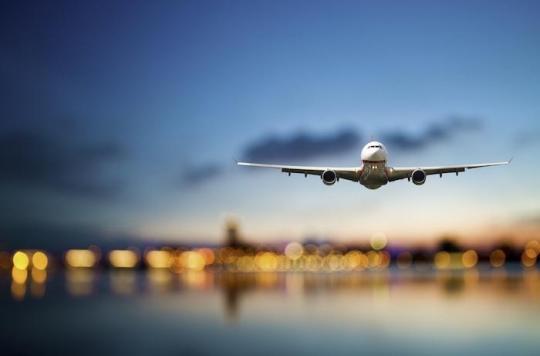 Le passager qui a forcé un avion à atterrir en raison de son odeur pestilentielle est décédé d'une nécrose