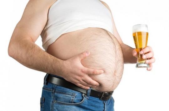 Il pensait seulement avoir un gros ventre, mais se fait diagnostiquer une tumeur de 35 kilos