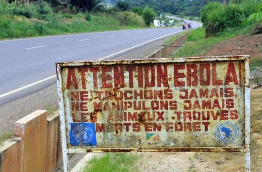 Ebola : une femme transmet le virus à son mari et ses fils un an après son infection