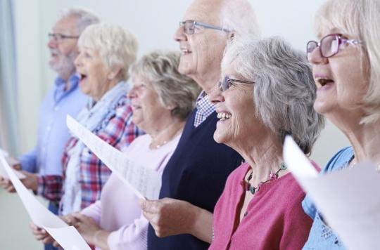 Démence: la musique peut être bénéfique chez les personnes âgées
