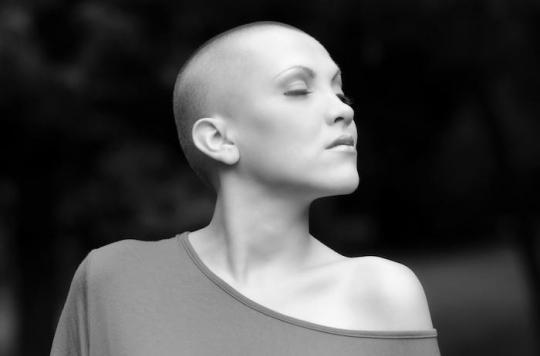 Cancer du sein : ré-apprivoiser sa féminité pour retrouver une sexualité normale