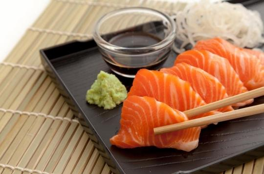 Elle mange un sashimi et retrouve un ver vivant dans son amygdale