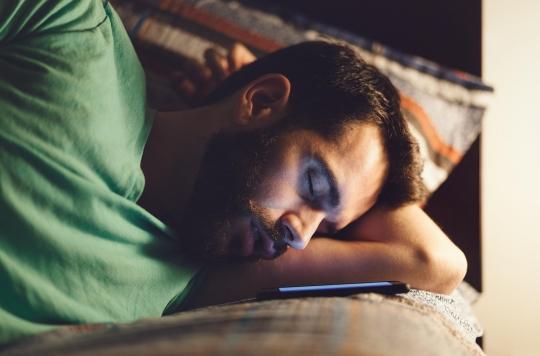 Somniloquie : cette drôle de pathologie qui vous fait parler quand vous dormez