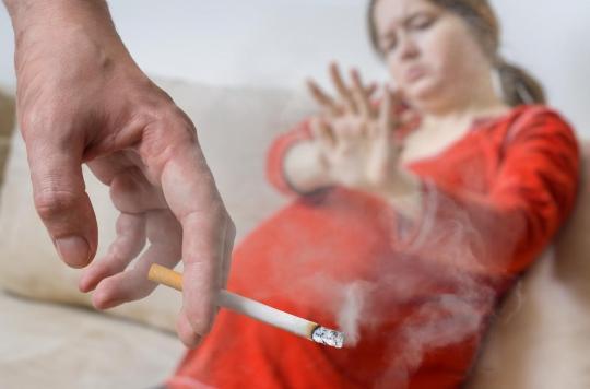 Futur papa et fumeur ? Vous feriez mieux d'arrêter
