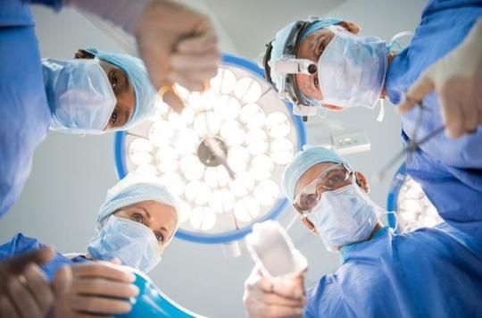 12 ans avec un cathéter dans la colonne vertébrale : quand les médecins oublient du matériel dans le corps des patients
