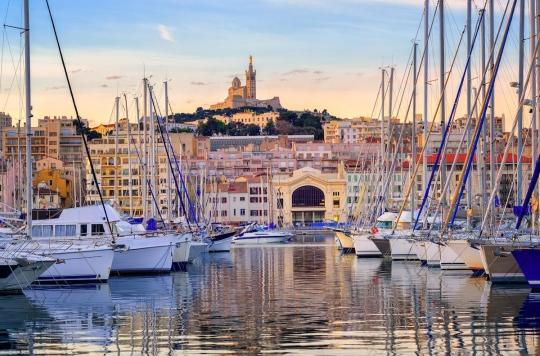 Port du masque, rassemblements, soirées : de nouvelles mesures restrictives à Bordeaux et Marseille