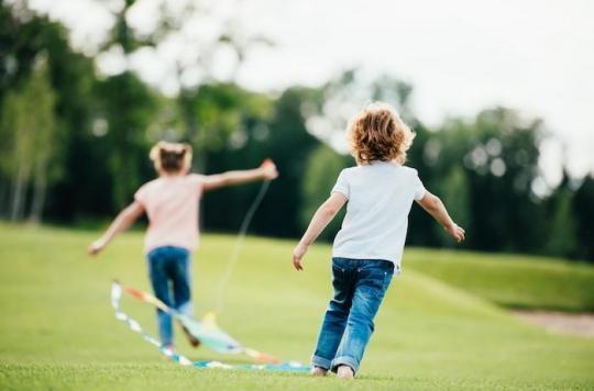 Vivre à proximité des espaces verts protège les poumons des enfants