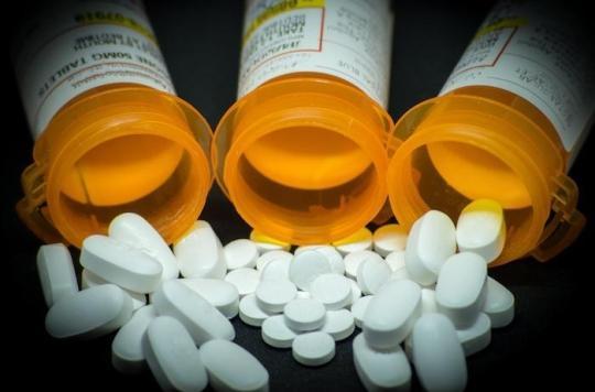 États-Unis : une médecin signe 335 000 prescriptions aux opioïdes et disparaît aux Bahamas