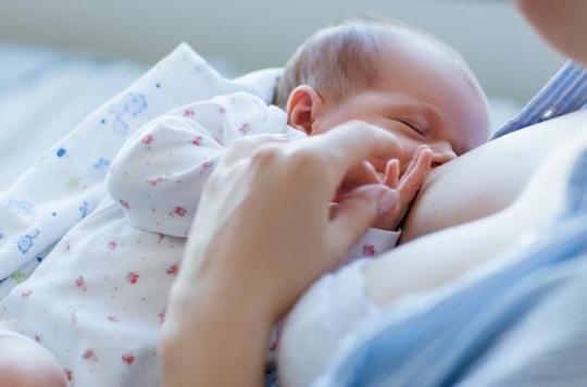 Allaitement ou biberon: la façon de nourrir son bébé pourrait influencer sa latéralité