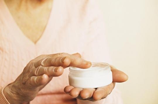 Bien hydrater sa peau pourrait prévenir l'apparition de certaines maladies chroniques