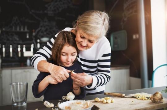 Les grands-parents ont le choix d'être dangereux ou bénéfiques pour la santé de leurs petits-enfants