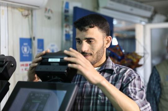 Aide alimentaire : le scan de l'iris remplace les coupons de distribution