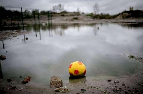 Calais : le Défenseur des droits dénonce des \