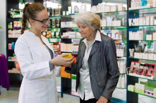 Grand âge : le sous-dosage de médicaments augmente la mortalité