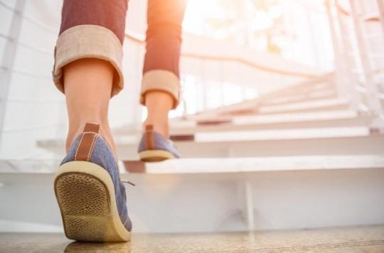 Sédentarité au travail : de courts épisodes de montée d'escaliers peut améliorer la santé