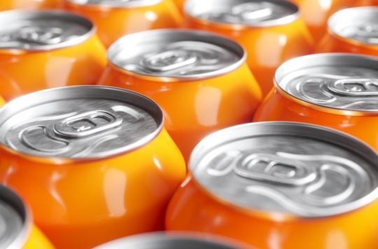 Covid-19 : une canette de soda pourrait-elle vraiment contenir toutes les particules du virus en circulation dans le monde ?