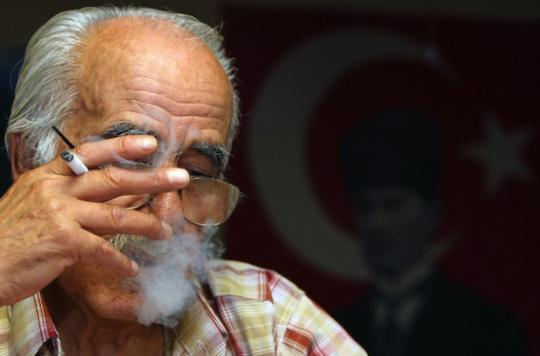 Cancer de la prostate : deux fois plus de rechutes chez les fumeurs