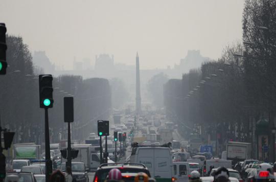 Paris : lutter contre la pollution de fond pour éviter les pics