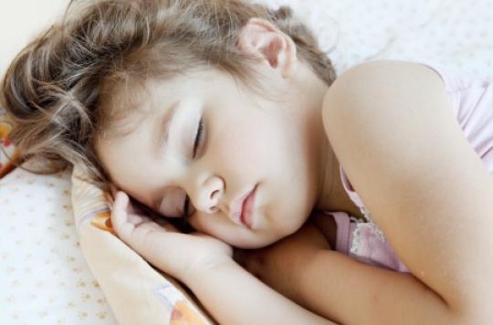 Obésité : coucher les enfants tôt diminue les risques