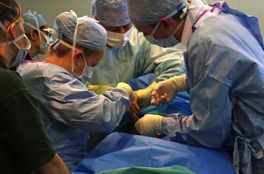 Affaire Corentin : les 2 chirurgiens suspendus par l'Ordre des médecins