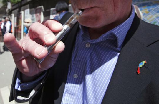 E-cigarette : pourquoi les Anglais la recommandent