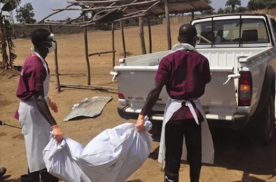 Ebola : la Sierra Leone place tout un village en quarantaine