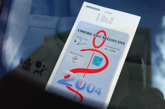 Stationnement : la gratuité pour les médecins menacée