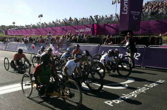 Paraplégie : des chercheurs français améliorent les performances des athlètes