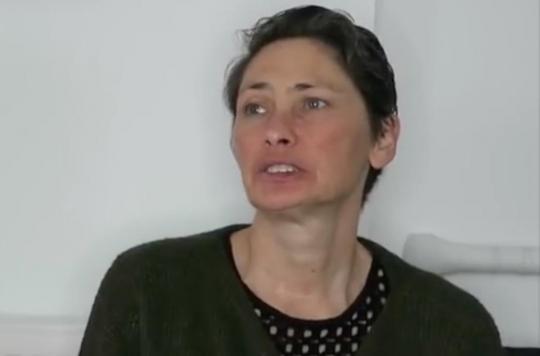 Sclérose en plaques : elle se confie et pleure sur l'arrêt du remboursement de son traitement
