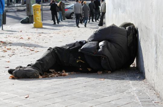 Sans domicile fixe : 500 décès survenus dans la rue en 2015