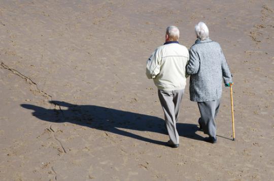 Fragilité osseuse : les seniors célibataires plus à risque
