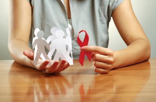 VIH : trois anticorps combinés combattent le virus