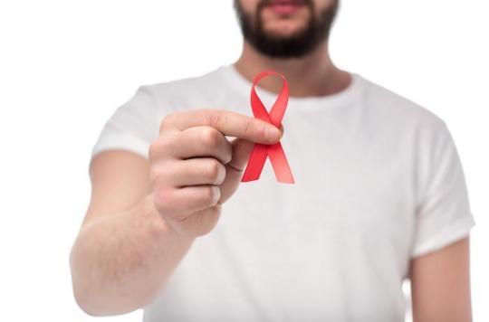 VIH : le risque de maladies cardiovasculaires est sous-estimé chez les séropositifs