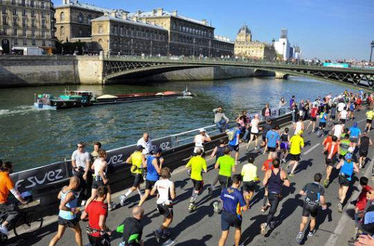 Marathon de Paris : comment bien récupérer après l'effort