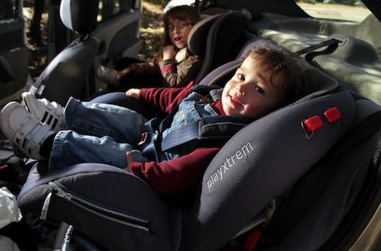 Enfants et chaleur : en été, votre voiture devient un four à pizza !