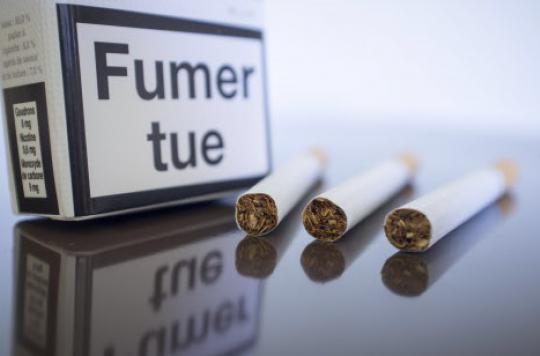 Tabac  : le paquet neutre est efficace chez les fumeuses