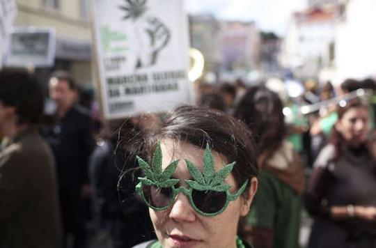 Cannabis : 25 % des étudiants fument