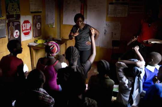 Sida : le nombre de décès a triplé chez les jeunes en 15 ans