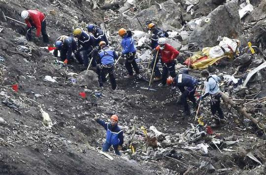 Crash de la Germanwings : des questions inédites pour le BEA