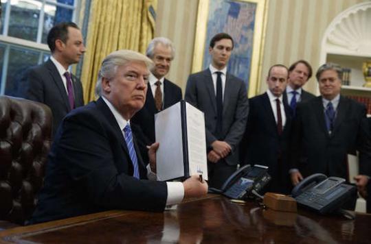 Trump signe une ordonnance retirant les USA du Partenariat transpacifique