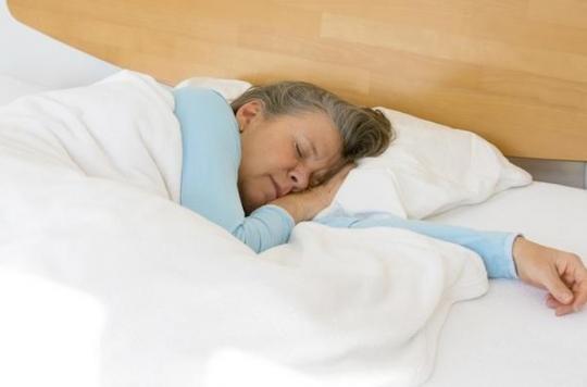 Démence : dormir plus de 9 heures par nuit est un signe précoce