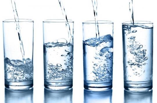 Un jeune Allemand doit  boire 20 litres par jour... Il devrait plutôt se soigner.