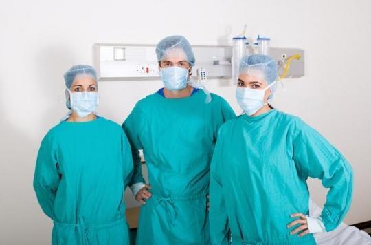Hôpital : incorporer des petites particules de cuivre dans les blouses des médecins réduit la propagation des infections