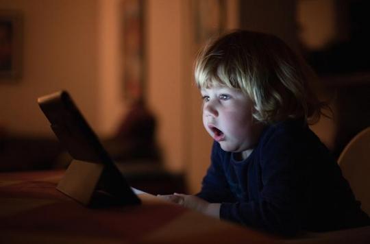 Ecrans : les experts alertent sur les dangers d'une surexposition des enfants