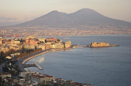 Naples : une vaste fraude à l'absentéisme secoue un hôpital