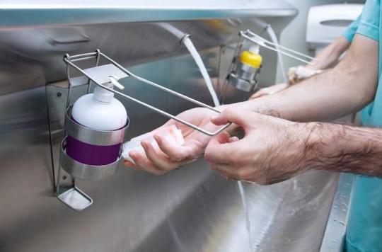 Hygiène à l'hôpital: le lavage des mains ne suffit pas contre des bactéries